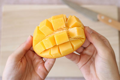 マンゴーの切り方07